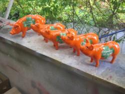 Sparschweine für die Mitarbeiter